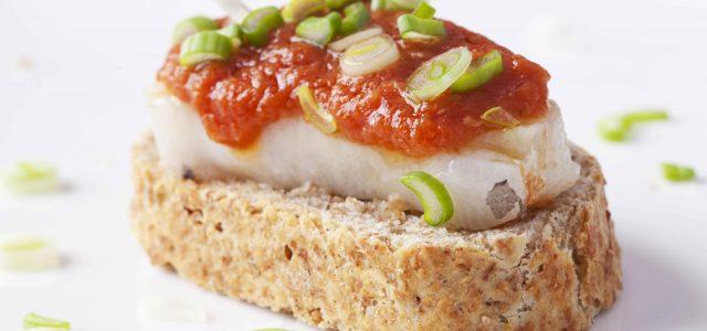 Barquetes de bacallà marinat