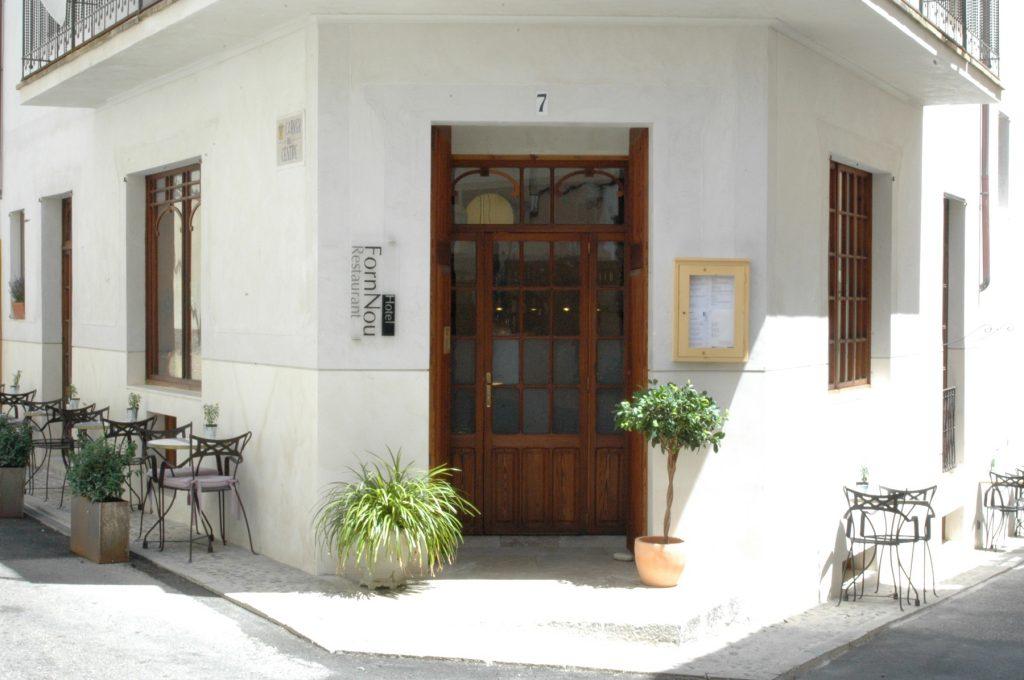 Es Forn Nou es troba al centre històric d'Artà
