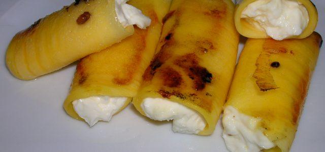Canelons de mango i mascarpone