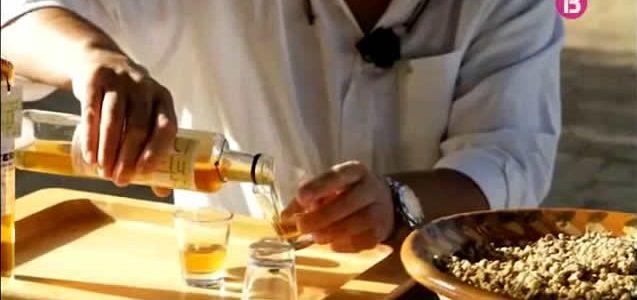 Sermita: Licor de camamil·la fet a Sencelles
