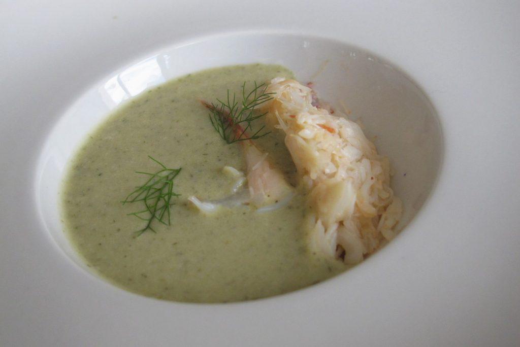 Sopa de fonoll amb bou de mar